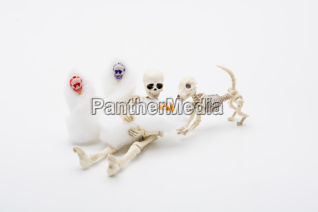 skeleton mother with her children and