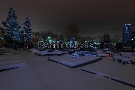 graeber mit lichter und schnee im