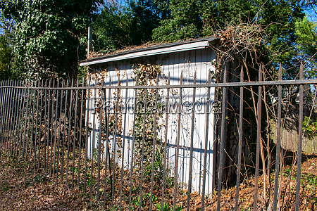an old abandoned shed in a