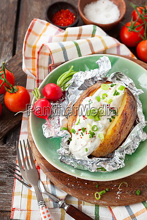 baked potato with sour cream