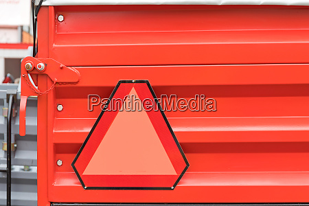 red trailer triangle