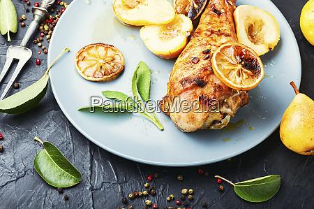 roasted turkey legs with pear