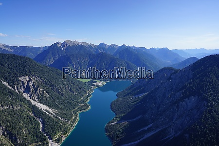 aerial view of lake near reutte