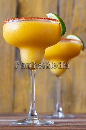frozen mango margarita cocktails