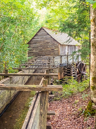 old mill building cades cove great