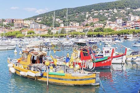marina harbour lerici la spezia district