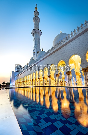 abu dhabis magnificent grand mosque lit