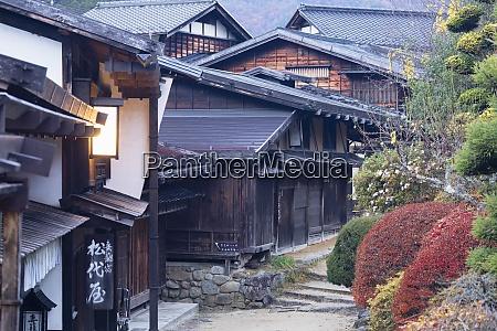traditional buildings on nakasendo way tsumago