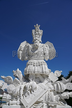the gloriette in the schonbrunn palace
