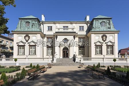 17th century baroque lubomirski summer palace