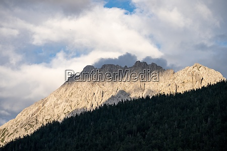 view on the karwendel mountains in