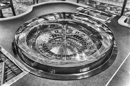 classic roulette wheel with selective focus