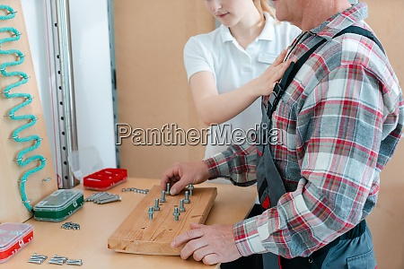 worker in occupational therapy re learning