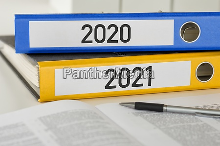 folders with the label 2021 and