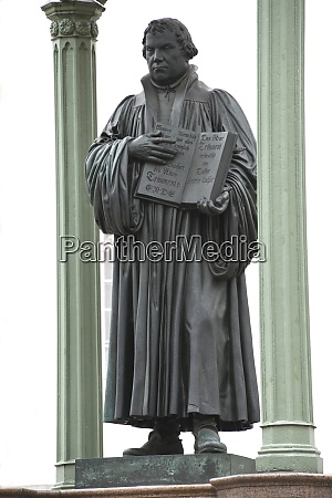 the martin luther monument in wittenberg