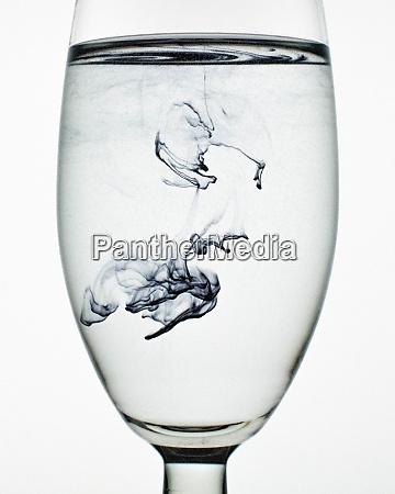 wallpaper of ink in glass