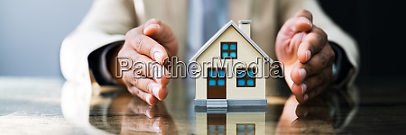 african american house mortgage insurance