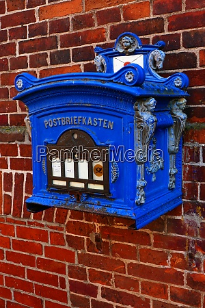 historical wall mailbox in lauenburg