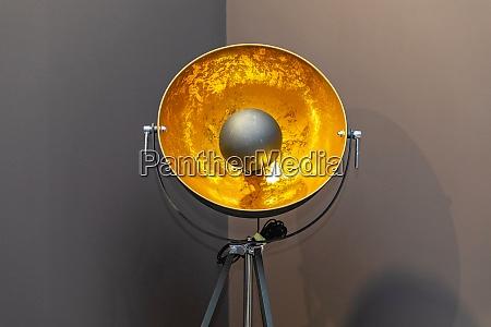 gold reflector lamp