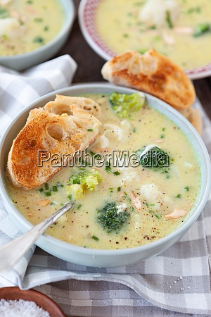 hearty broccoli cauliflower soup