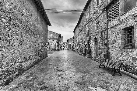 the medieval architecture of monteriggioni iconic