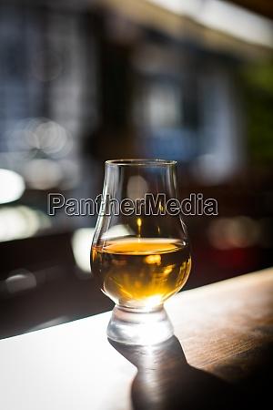 close up shot a glencairn whisky