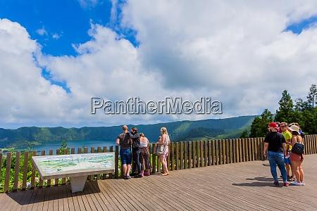 tourists, watching, lagoa, das, sete - 28934530