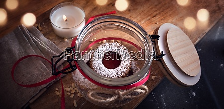 homemade traditional linzer cookies