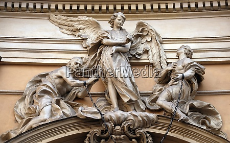 statue of angel about to free