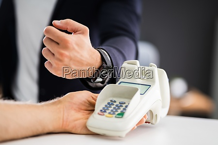contactless mobile payment using smart watch