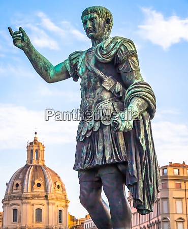 statue of caesar emperor in rome