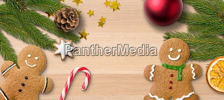 gingerbread men and christmas decoration