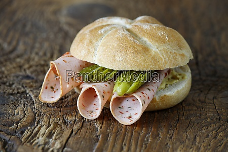 bun with sausage