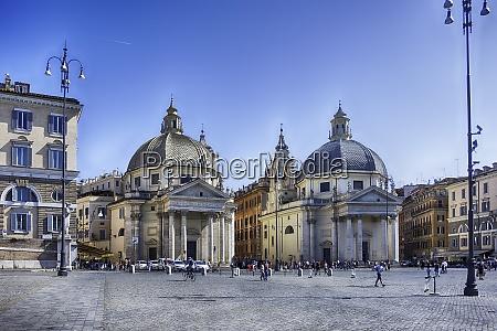 a sunny day in piazza del