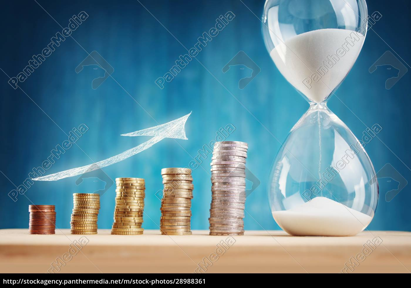 clock, with, stacked, coins, and, hourglass - 28988361