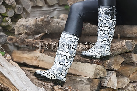 black womens boots in the autumn