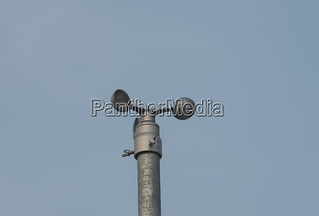 wind measurement by weather station