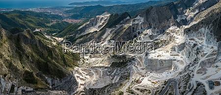 carrara mountains quarry the place