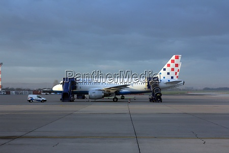croatia airlines a319 serviced by the