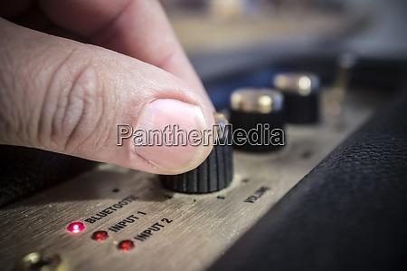 fingers adjusts fine tune controls of