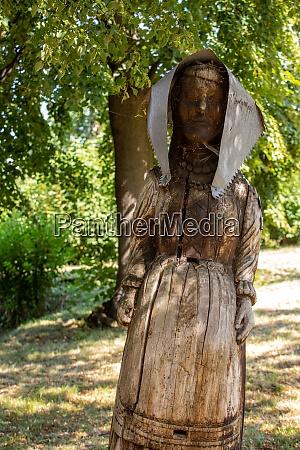 old og hives made of trunks