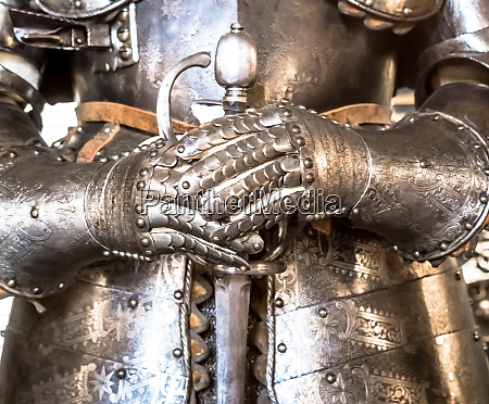 middle age knight armour 15th