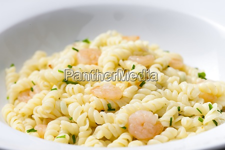 fusilli pasta with prawns and chive
