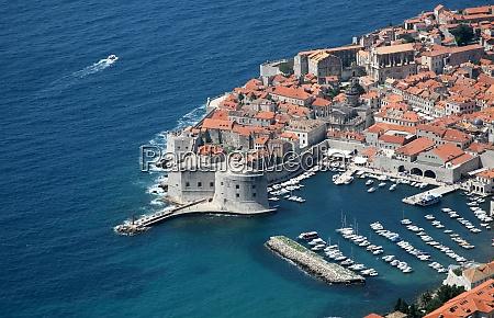 dubrovnik croatia popular travel destination in