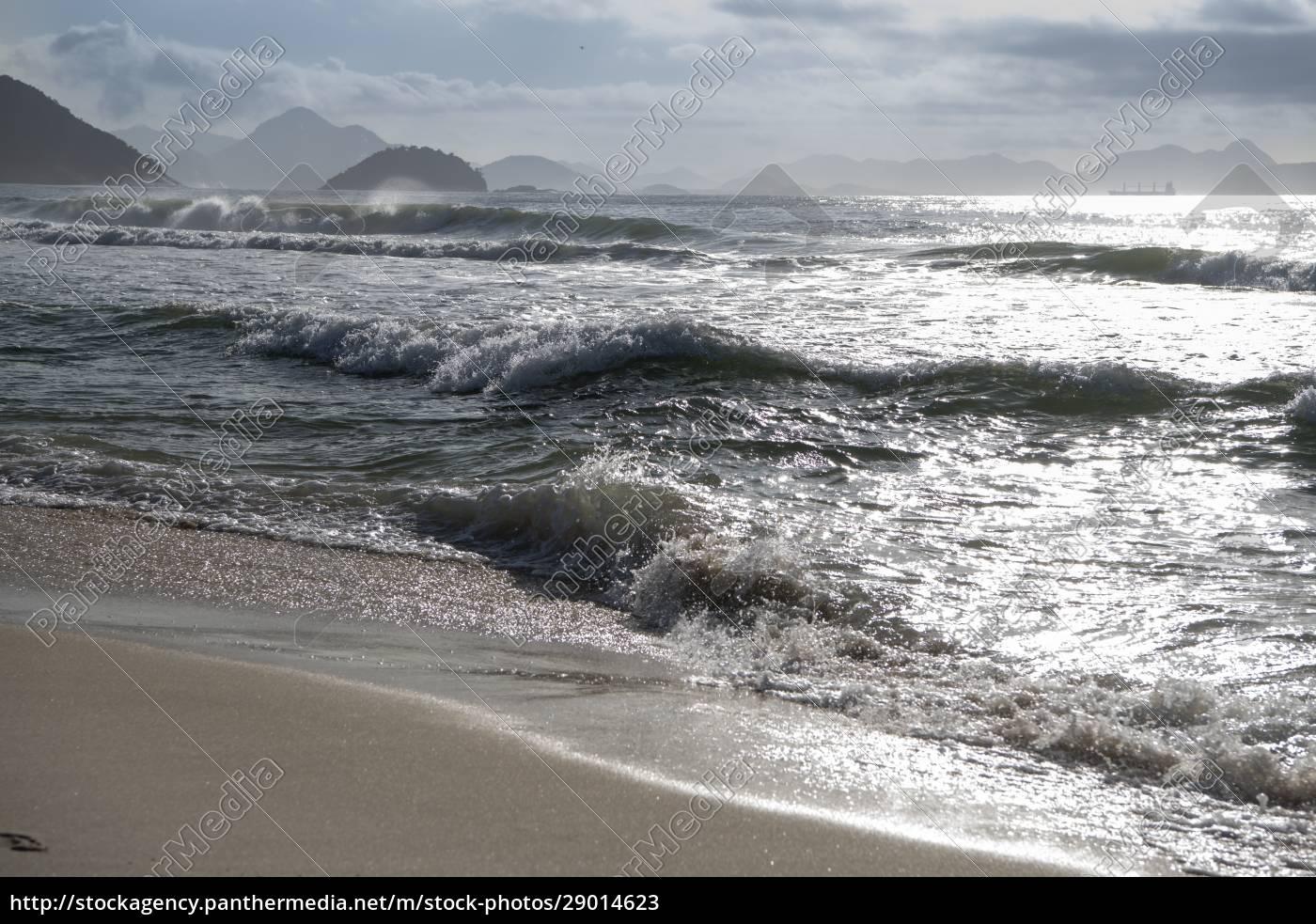 ocean, surf, on, the, beach, of - 29014623
