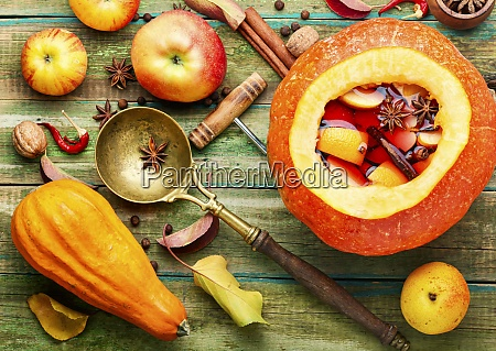 traditional autumn mulled wine