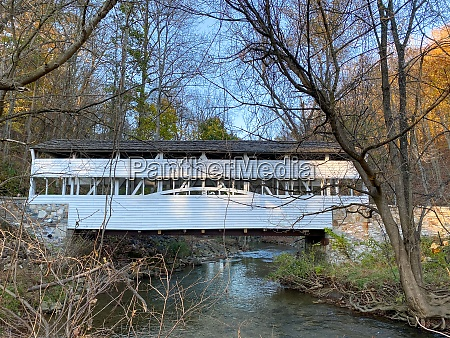 the knox covered bridge at valley