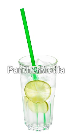 gin tonic cocktail in highball glass