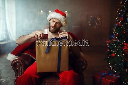 bad santa claus takes drugs cocaine