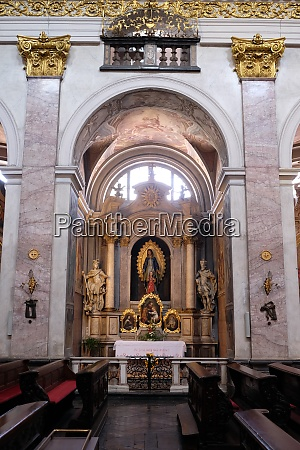 altar in cathedral of st nicholas